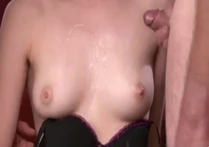Two relatives are enjoying cum sharing
