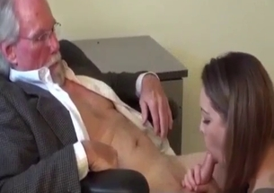 Parent orally fucks a sensate youthful female